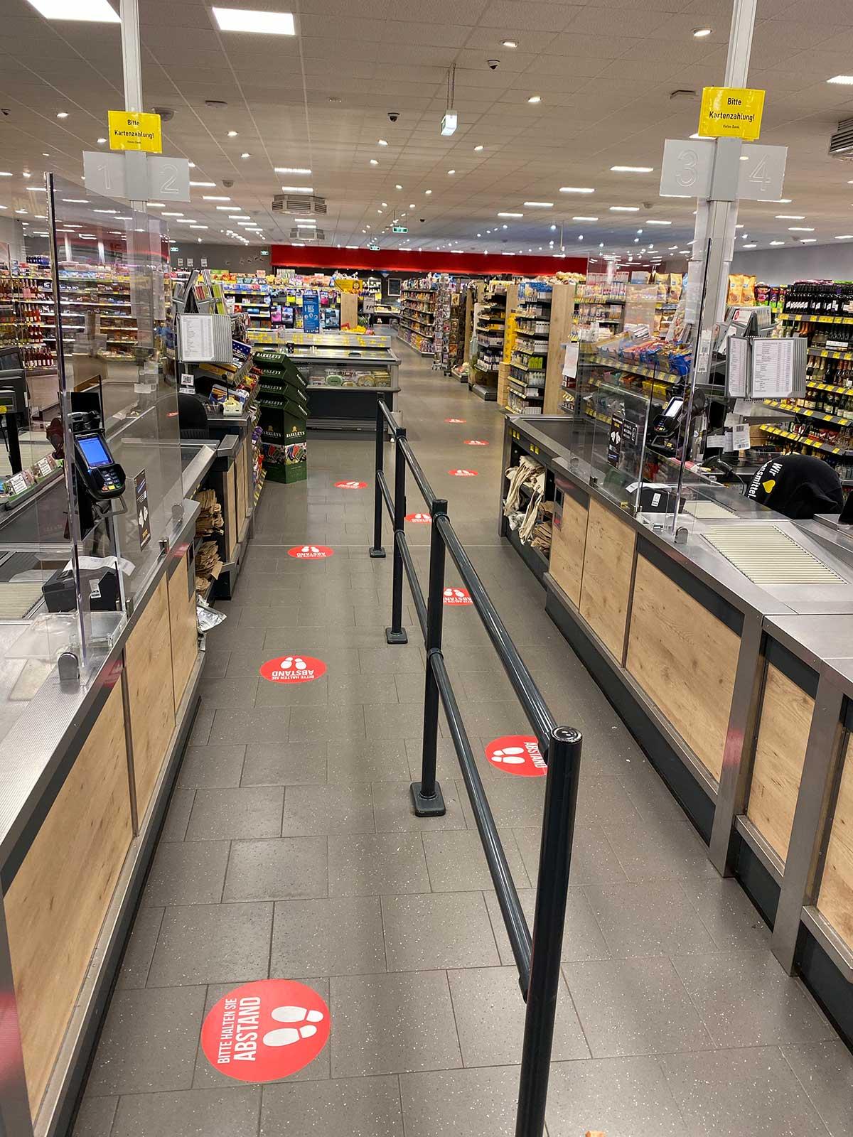 Fußbodenaufkleber - Abstand halten